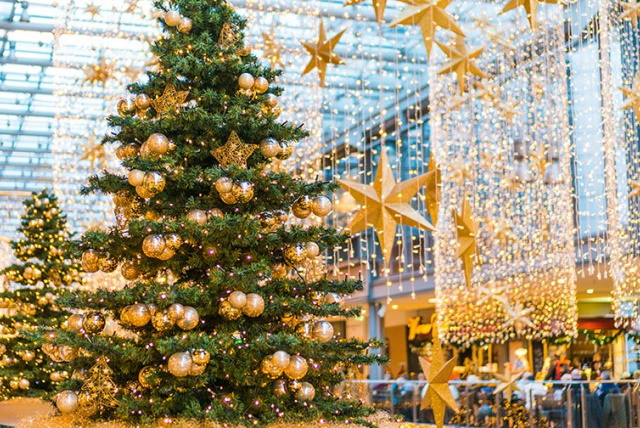 christmas light installers decorations for shopping centers texas